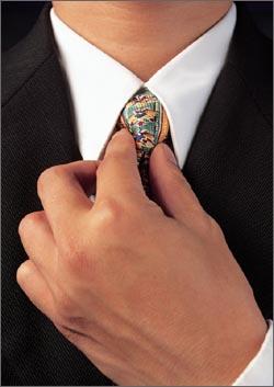 straighten tie